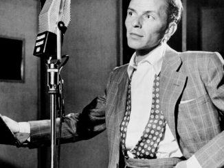 Frank Sinatra spricht mit Friedrich Howanietz über Online Marketing mit tiefer Stimme